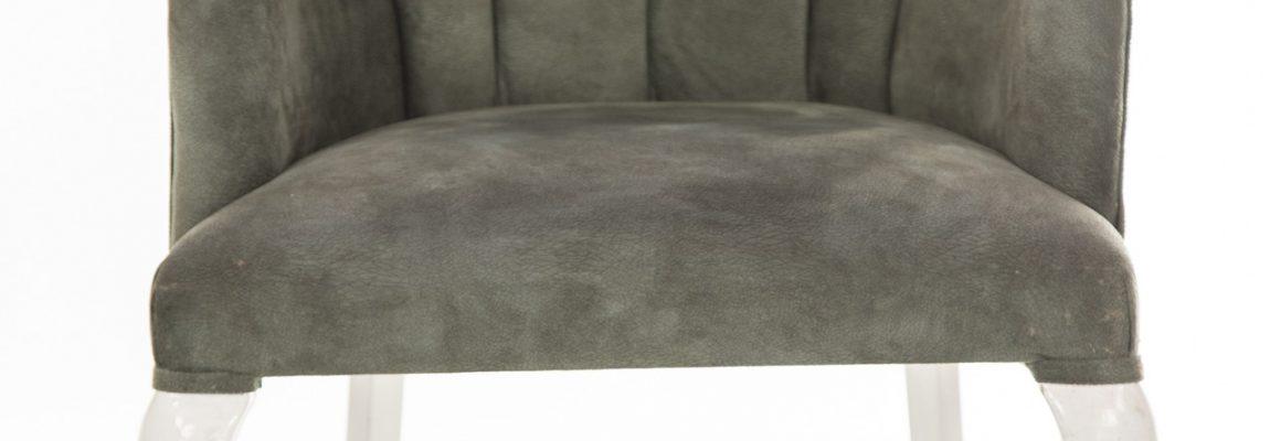 Trendy w aranżacji wnętrz: krzesło welurowe